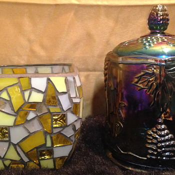 Anyone who is familiar with Carnival and Art glass recognize these markings>