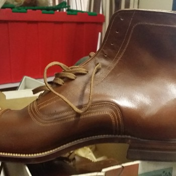 Vintage Thompson Men's Leather cap toe Dress Shoes Date????