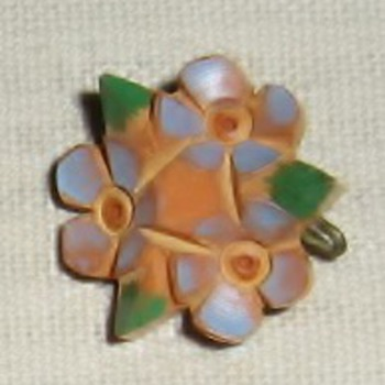 Tiny bakelite pins from 1930's - Costume Jewelry