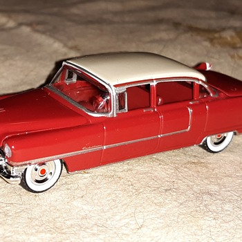 "Greenlight ""The Busted Knuckle"" 1955 Cadillac Fleetwood Series 60 - Model Cars"