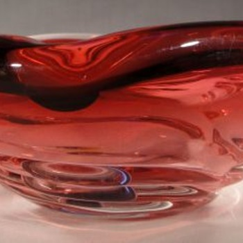 Czech glass ashtray - is it a piece of Skrdlovice - Art Glass