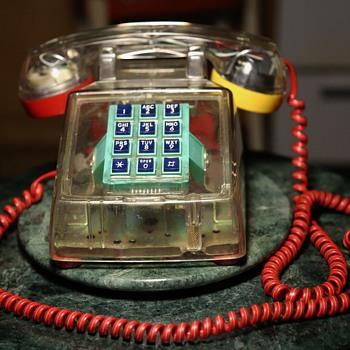 Goldstar Telephone - Bauhaus Colors - Telephones