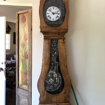 Interesting clock...any ideas? - Clocks