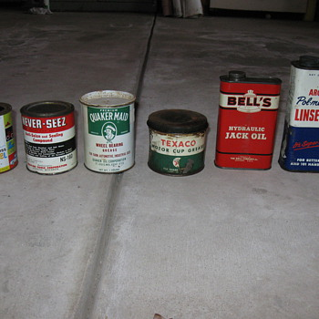 Old oil cans and more - Petroliana