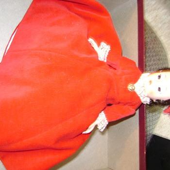 Madame Alexander Dolls, Info PLEASE..I am clueless...Thanks - Dolls