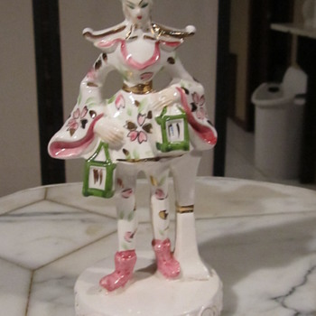"Occupied Japan/ MIJ, Old Jester ? Japanese Figurine.Green Lanterns.Gilt Gold 7"""