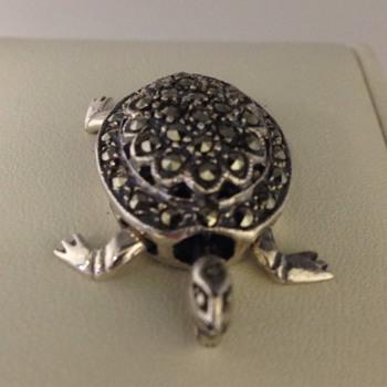 Silver mechanical TURTLE pendant - Fine Jewelry