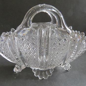 Davidson Glass Basket Vase - rd 96945 - Richelieu Pattern - Glassware