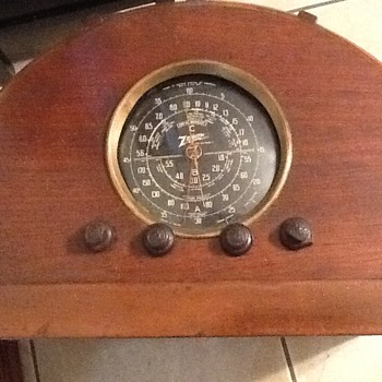 Zenith chair side radio