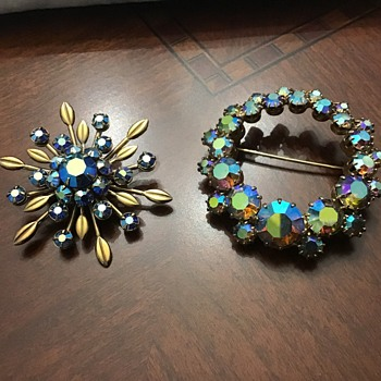 2 AB brooches - Costume Jewelry