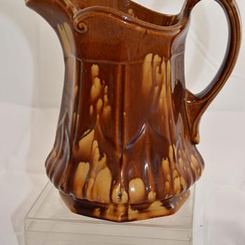 Art Pottery Vintage Drip Glaze Pottery Pitcher Unknown Maker Bennington? - Pottery