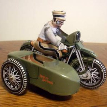 Harley Davidson tin wind-up reproduction toy 2001 - Toys