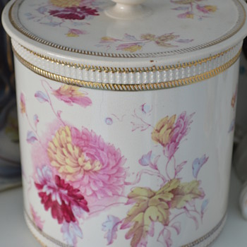 Crown Devon biscuit barrel with Chrysanthemum pattern