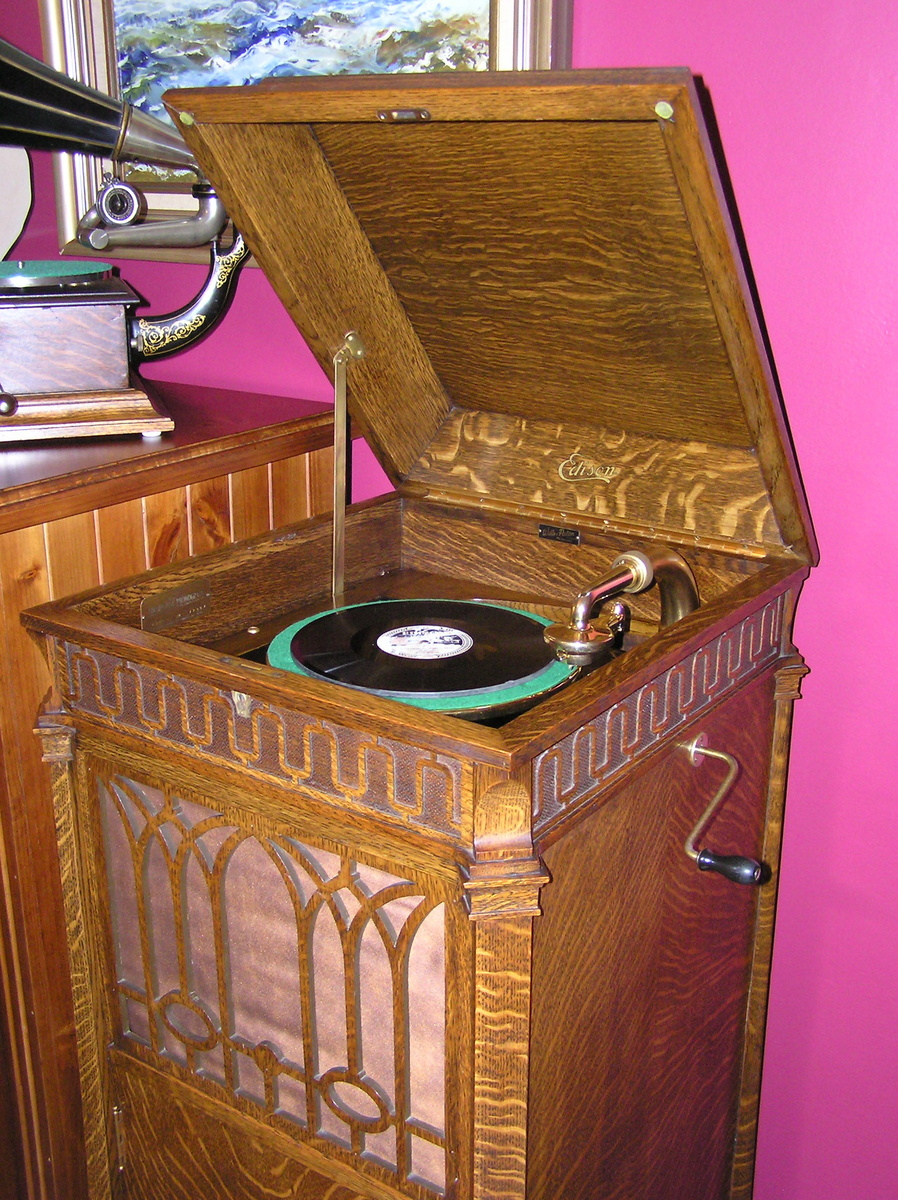 Edison Diamond Disc Phonograph   Collectors Weekly