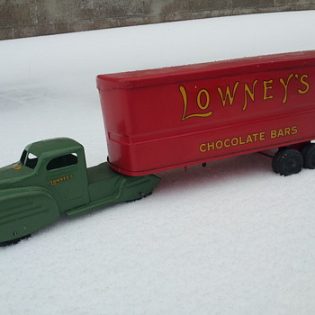 Lincoln Toys Lowney's Chocolate Delivery Truck - Model Cars