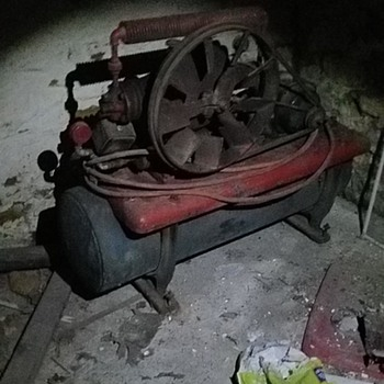 Antique Wayne two stage air compressor - Tools and Hardware