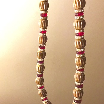 Unknown necklace! Stunning Roman style beads with gilt and ruby glass - Costume Jewelry