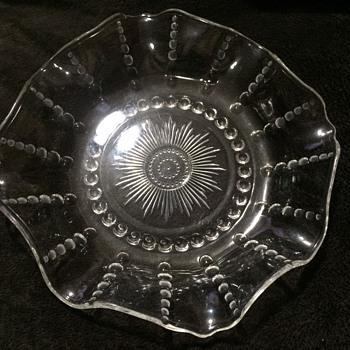 Clear vintage large bowl with scalloped edges - Glassware