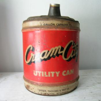 5 Gallon Utility Can ( Cream City ) Milwaukee, WI - Petroliana