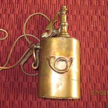 Civil War gunpowder flask - Military and Wartime