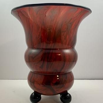 """Loetz Vase, """"kaiserrot m. schwarz marmoriert"""", PN III-1117/20cm, ca. 1920 - Art Glass"""