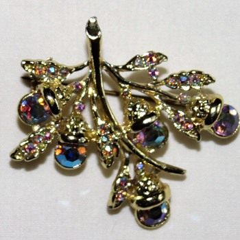 Shiny Costume Brooch - Costume Jewelry
