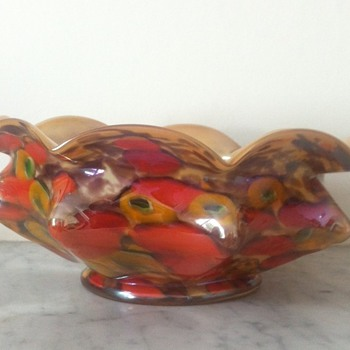 Kralik iridescent millefiori knuckle bowl - Art Glass