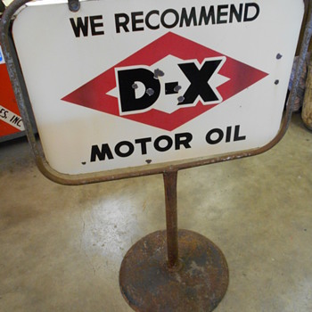 D-X curb sign - Advertising