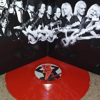 AC/DC..ON RED - Records