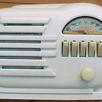 1946 Belmont Model 6D-111 Radio