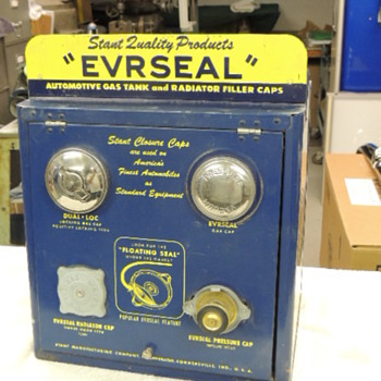 EVRSEAL GAS AND RADIATOR CAP DISPLAY - Classic Cars