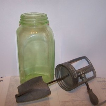 Buttercup churn/mixer with green depression jar - Glassware