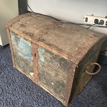 Who made this trunk what country  - Furniture