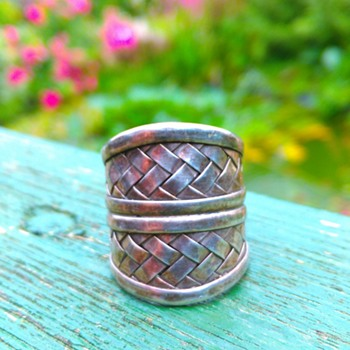 Silver Woven Saddle Ring, Belgian Flea Market Find For 2 Euro - Fine Jewelry