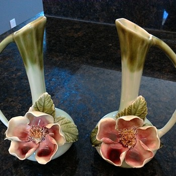 Bone china bud vases (?)  - Pottery