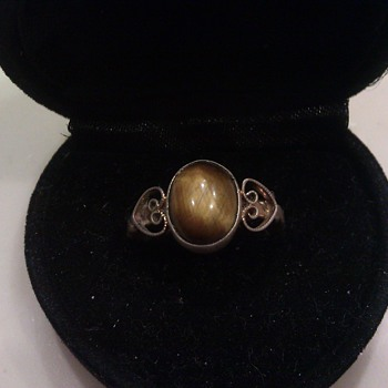 Vintage Tigers Eye Ring?