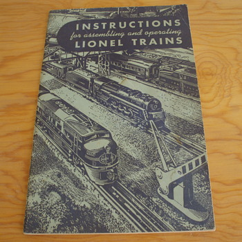 LIONEL OPERATING  MANUAL 1949 - Paper
