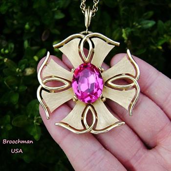 Trifari Star Rays Necklace - Costume Jewelry
