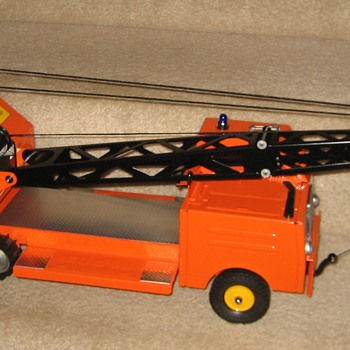 Heavy-Duty Tracked 'State Hi-Way Dept.' Mobile Crane - Model Cars