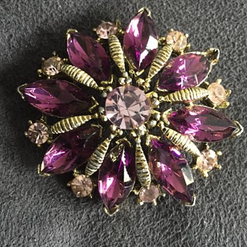 Amethyst colored rhinestone brooch - Costume Jewelry