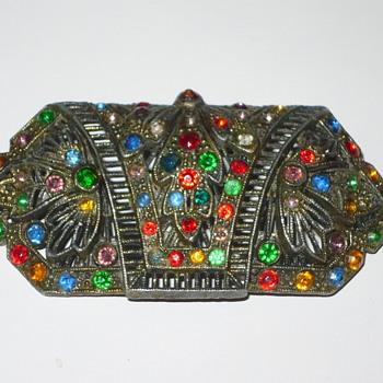 help identify Antique Brooch - Costume Jewelry