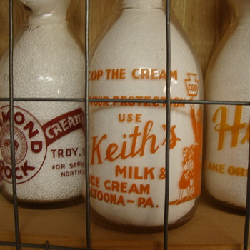 KEITH'S DAIRY COP THE CREAM MILK BOTTLE.....ALTOONA PA. - Bottles