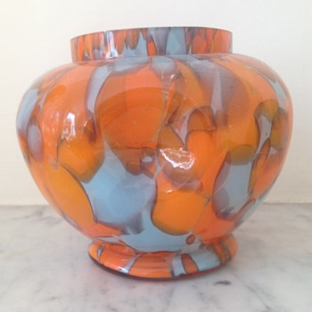 Welz dimpled tangerine spatter rosebowl - Art Glass