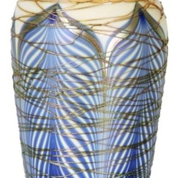 Durand Blue Pulled Feather Vase with Spider Webbing c.1925 - Art Glass