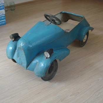 1935 pedal car from Russia - Model Cars