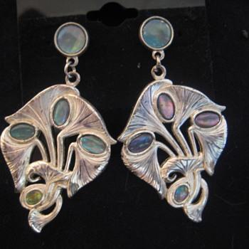 Signed DURI Art Nouveau Earrings - Art Nouveau