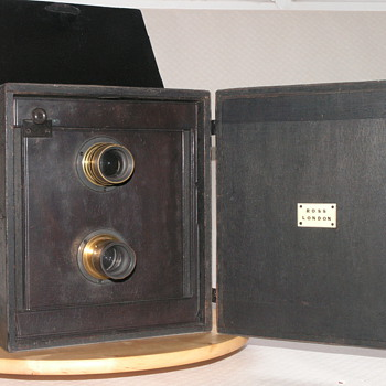 Ross, London Portable Divided Camera, 1890.