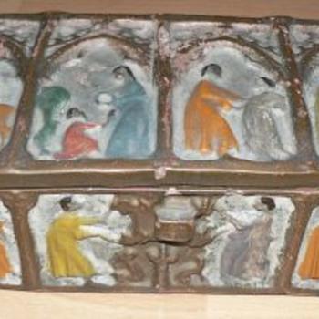 1900s Folk Art Clay Box  - Folk Art