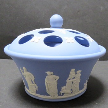 Wedgwood Jasperware Pot Pourri - China and Dinnerware