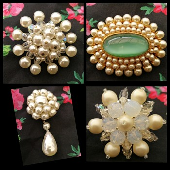Vintage faux pearl brooches - Costume Jewelry